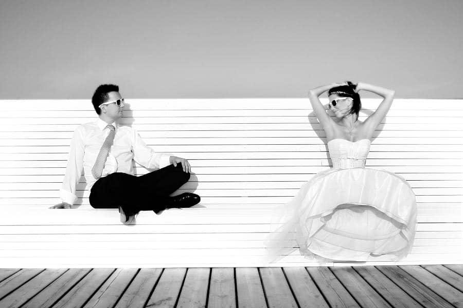 Prawdziwe emocje na zdjęciach ślubnych biorą się ze swobody która wprowadza fotograf