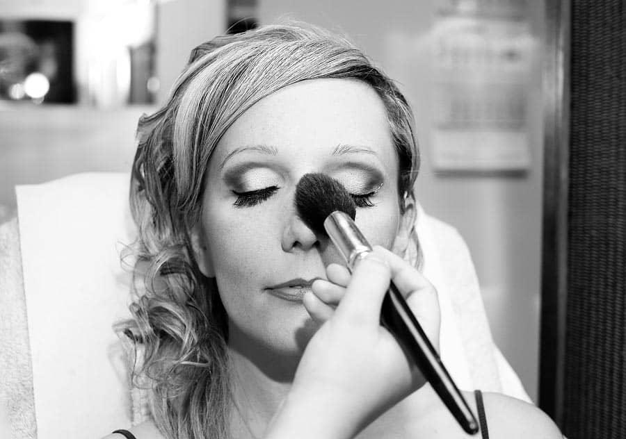 Makijaż ślubny powinien być wykonany przez profesjonalistkę
