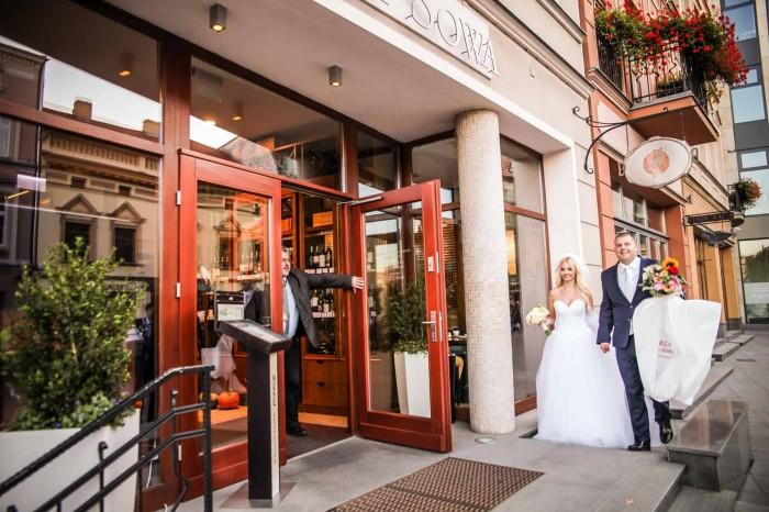 Gdzie i jak szukać dobrego fotografa ślubnego?