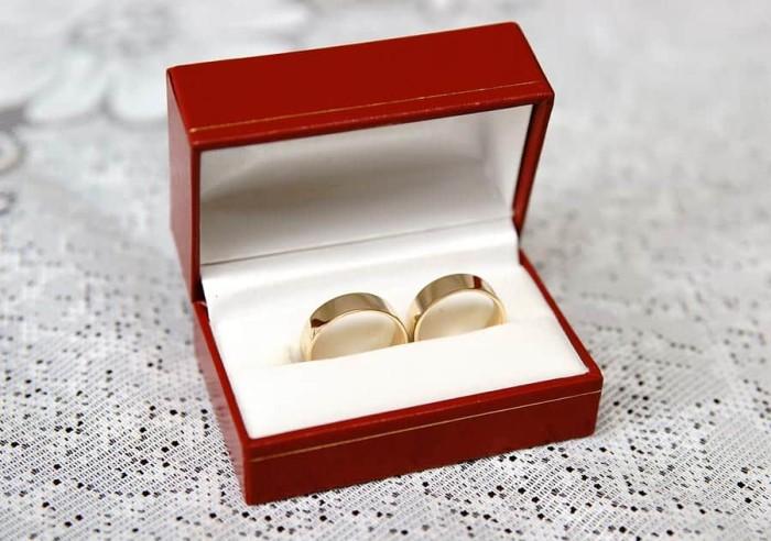 Zdjęcia z przygotowań jako dopełnienie reportażu ślubnego