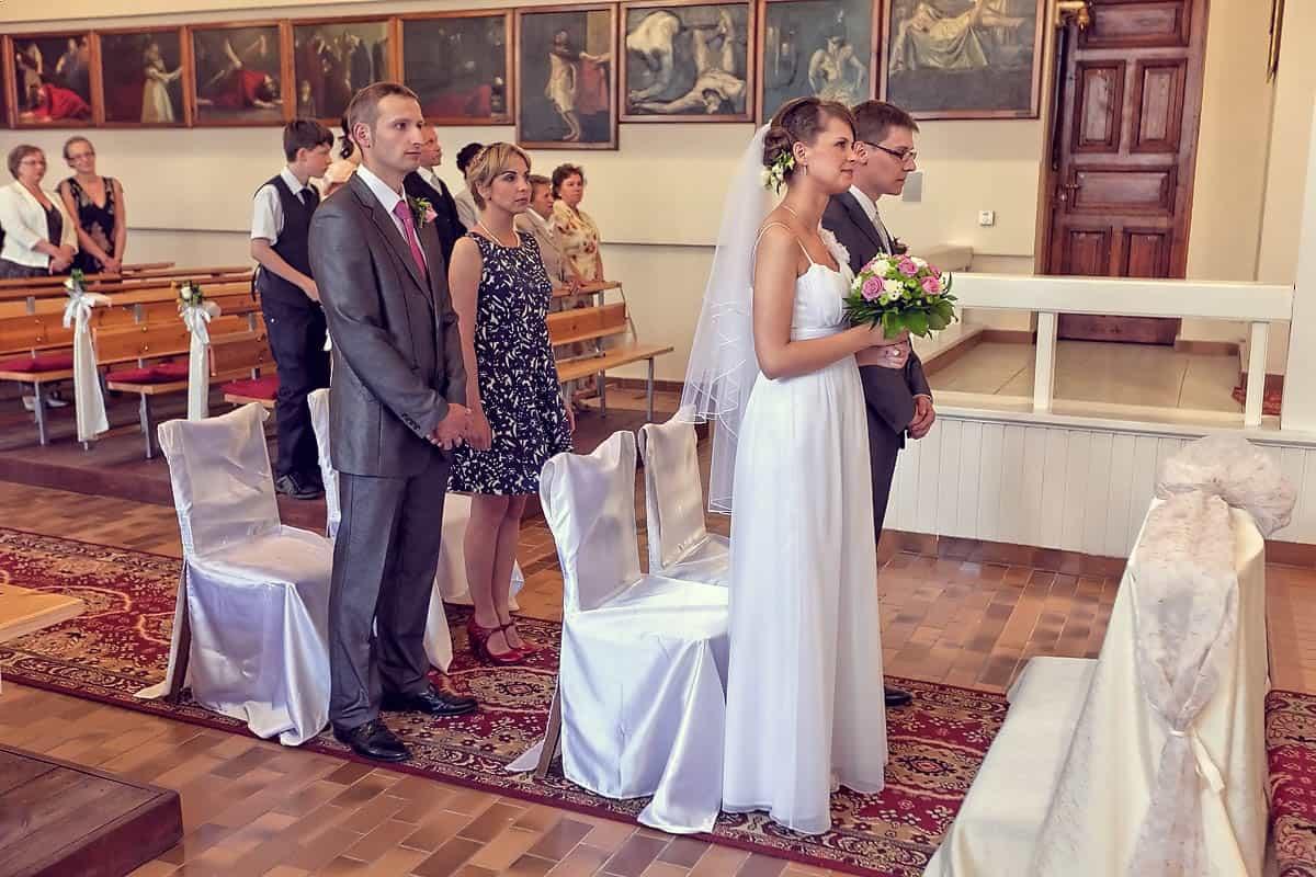 Para Młoda z parą świadków na ceremonii - Grupa 5D, Bydgoszcz.